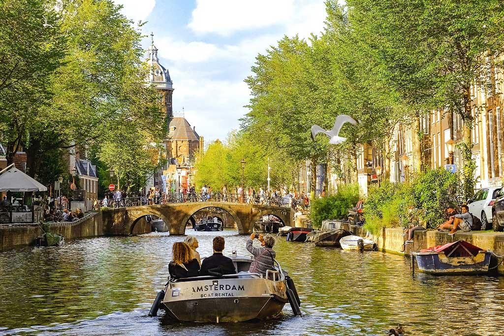 Boat travel Amsterdam